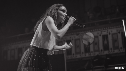 CHVRCHES (1 of 1)-15